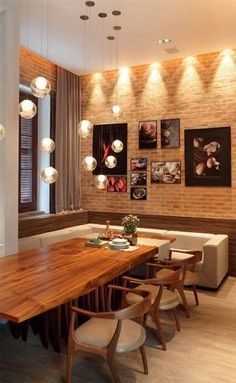 Bubble chandelier in the dining room Dining Room Design, Dining Area, Kitchen Dining, Sweet Home, Dinner Room, Home And Living, Living Room, Interior Decorating, Decoration