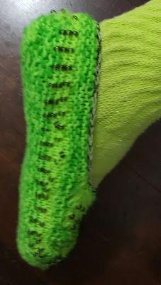 calçado em tricô/ adulto em helanca, com pérolas