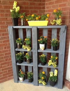 10 Simple DIY Vintage and Rustic Garden Decor Ideas on A Budget You Need to Try . - 10 Simple DIY Vintage and Rustic Garden Decor Ideas on A Budget You Need to Try … - Pallet Patio Furniture, Diy Garden Furniture, Furniture Ideas, Antique Furniture, Rustic Furniture, Modern Furniture, Furniture Design, Balcony Furniture, Furniture Logo