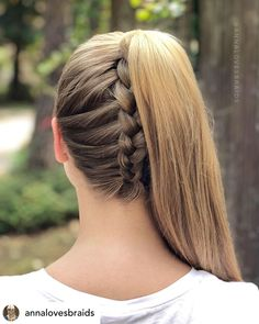 10 Ridiculously Easy Hairstyles For School 2020 (Tutorials Included) Want to make the perfect first impression? Here are 10 ridiculously cute and easy hairstyles for school that will blow the others away. Cute Hairstyles For Teens, Cute Hairstyles For Medium Hair, Easy Hairstyles For Long Hair, Medium Hair Styles, Curly Hair Styles, Simple Hairstyles For School, Easy Long Hair Braids, Hair Styles Teens, Ponytail With Braid