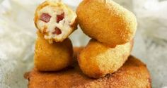 Croquetas de jamon - ham croquettes, a delicious tapa! You can also fill them with cod, cheese, or whatever Sweet Recipes, Snack Recipes, Cooking Recipes, Snacks, Spanish Cuisine, Spanish Food, Pernil, Latin Food, Base Foods