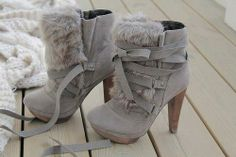 grey boots with the fur.....lovin' em'