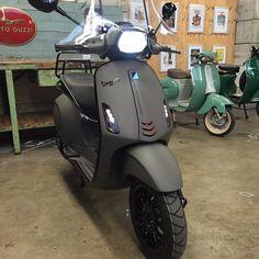 Vespa Gts, Scooters Vespa, Yamaha Scooter, Vespa Sprint, Piaggio Vespa, Motor Scooters, Scooter Motorcycle, Vespa Vintage, Vintage Bikes