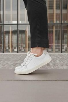 purchase cheap ca717 813be Veja Fall 2018 Esplar Extra White Leather Sneaker. Upper in leather with  panels of leather