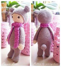 Amigurumi Emmie the Bear - Free Pattern here: http://tinyminidesign.blogspot.com.es/2015/10/amigurumi-ay-emmie-yapls-amigurumi.html