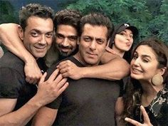 Salman Khan and race team Handsome Celebrities, Most Handsome Men, Salman Khan Photo, Race 3, Movie Teaser, Indian Star, 3 Movie, Big Big, Katrina Kaif