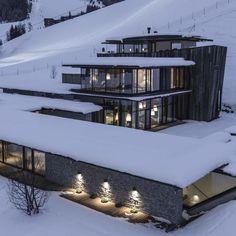 14 тыс. отметок «Нравится», 36 комментариев — 🌍 ART & ARCHITECTURE (@modern.architect) в Instagram: «Hotel Wiesergut by Gogl Architecture (2012), 📍 Hinterglemm, #Salzburg #Austria ... 📸 Mario Webhofer…»