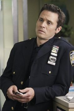 Seamus Dever in Castle - Rise.... love a man in uniform!