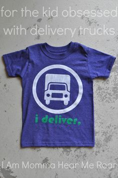 "I Am Momma - Hear Me Roar: ""I Deliver"" tee"