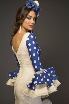 Flamenco Party, Flamenco Dancers, Flamenco Dresses, Spanish Dancer, Abaya Fashion, Beautiful Dresses, Tulle, Costumes, Formal Dresses