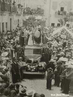 Carro alegorico en San Juan de los Lagos Jalisco Mexico 11