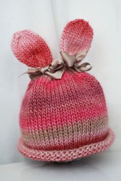 Bunny hat from itty-Bitty hat book. Another idea for a gift in the Easter Basket instead of so much candy. Baby Hats Knitting, Knitting For Kids, Loom Knitting, Knitted Hats, Yarn Projects, Knitting Projects, Crochet Projects, Knit Or Crochet, Crochet Hats