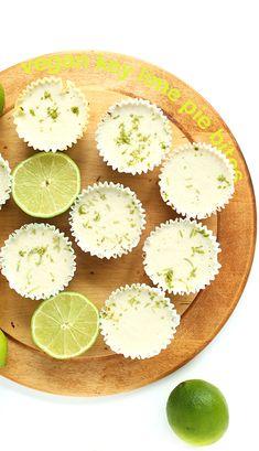 7 Ingredient vegan key lime pie bites with a simple graham cracker crust! Vegan Pie, Vegan Foods, Raw Vegan, Vegan Butter, Raw Desserts, Healthy Desserts, Delicious Desserts, Lemon Desserts, Healthy Lunches