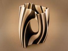 3D Printing Service i.materialise | Julia Vase 002 - Yin Yang
