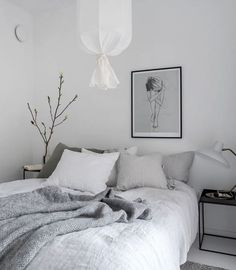 All white and natural interior What do you do when you have a floor to ceiling white apartment to decorate ? You could of course do many things, but one way to make this setup look less clinical is to add lots of texture coming … Continue reading → White Bedroom Furniture, Home Decor Bedroom, Furniture Nyc, White Apartment, Deco Addict, Natural Interior, Minimalist Bedroom, My New Room, Room Inspiration