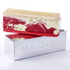 miss-gla-gla-milena-pierre-herme