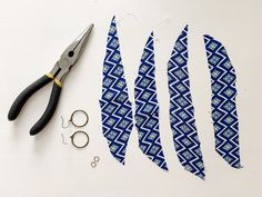 Diy Earrings Making, Jewelry Making Beads, Earrings Handmade, Diy Fabric Jewellery, Fabric Earrings, Tassel Earrings, Cute Sewing Projects, Sewing Hacks, Wave Jewelry
