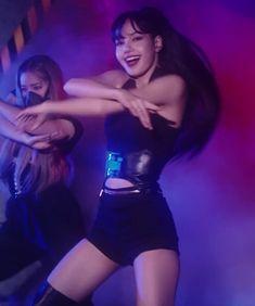 Yg Entertainment, South Korean Girls, Korean Girl Groups, Rapper, Kim Taehyung Funny, Black Pink Kpop, Blackpink Photos, Blackpink Lisa, Lily