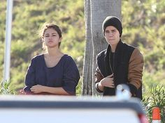 Selena Gomez Move On dari Justin Bieber
