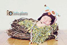 Hoot, hoot, baby so CUTE! :D Nest Lining Photography Prop Moss Look Baby Blanket by BabyBirdz 65.00