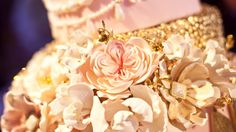 Carousel's {Timeless Grace} cake by @the_caketress