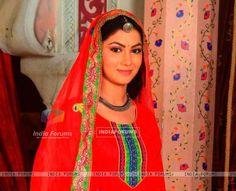 Sriti Jha as Jagya and Ganga in Balika Vadhu Sriti Jha, Tv Shows, Sari, Fashion, Saree, Moda, Fasion, Saris, Trendy Fashion