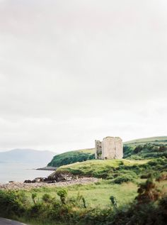 Intimate and wild elopement on the Irish Coast Adventure Time, Adventure Travel, Places To Travel, Places To See, Italy Honeymoon, Irish Wedding, Irish Whiskey, New Travel, Beautiful Scenery
