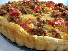 Savory Italian Tart – Taste and Tell Savory Italian Tart— soooo good, the puff pastry dough that I used came in strips so I had to kind of form my own circle also had to bake a little longer… But delish! Quiche Recipes, Brunch Recipes, Breakfast Recipes, Casserole Recipes, Dinner Recipes, Dessert Recipes, Savory Pastry, Savory Tart, Savoury Pies