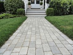 Make sure you visit our niche site for much more relating to this mind-blowing walkway pavers Gravel Walkway, Wood Walkway, Outdoor Walkway, Front Walkway, Walkways, Walkway Ideas, Yard Ideas, Backyard Fireplace, Mediterranean Style Homes