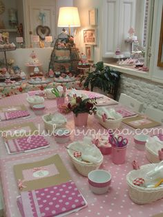 Very nice and inspiring place to learn cookie's decorating...