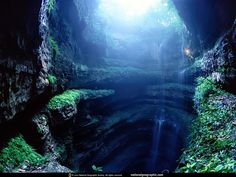 The Neversink Pit is a limestone sinkhole in Alabama, USA. It is about 40 feet wide at the top, but bells out to an impressive 100 feet at the bottom. It is 162 feet deep.