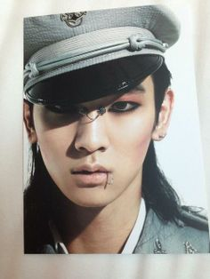 SHINee Key I think he looks quite good with long hair :D