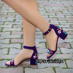 Teyora Süet Mor Çiçek Nakışlı Sandalet #floral #sandals #purple