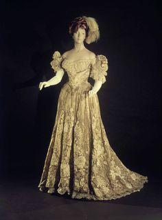 Ball gown Designer: Jacques Doucet (French, Paris 1853–1929 Paris) Date: 1898–1902 Culture: French Medium: silk, metal, linen