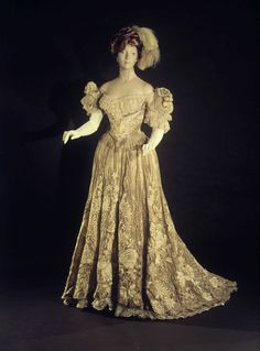Ball gown Designer: Jacques Doucet (French, Paris 1853–1929 Paris) Date: 1898–1902 Culture: French Medium: silk, metal, linen