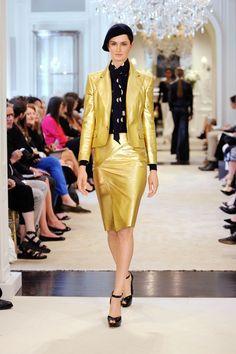 Pour la collection Croisière 2015, Ralph Lauren s'est inspiré du glamour moderne,imbudenonchalancesophistiquée etderaffinement féminin.