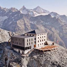 Hörnlihütte - Room with a view #SwitzerlandWonderland