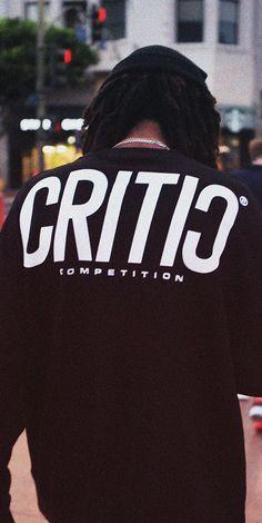 CRITIC CRITIC 2017 F/W Lookbook - Drop 미국 서부 힙합그룹 The Pharcyde에게 영감을 받은 룩북 2017 CRITIC FW 'DROP' 크리틱의 2017년 가을/겨울은 'DROP'이라는 주제 아래 전개되었습니다. 'DROP' 은 자신만의 독특한 색깔을 가지고 미국 서부에서 활동을 했던 힙합그룹 The Pharcyde의 DROP이라는 곡 뮤직비디오에서 영감을 얻었으며 뮤직비디오에 등장하는 그들의 패션이나 장면의 무드, 연출 방법 등 모든 것이 이번 시즌에 영향을 줬다고 해도 과언이 아닙니다. 이 뮤직비디오가 실제 촬영된 LA의 다운타운에서 모든 룩북과 영상이 촬영되어 이번 시즌의 주제를 충분히 나타내고 있으며, 실제 The Pharcyde의 DROP 뮤직비디오를 같이 감상해 보는 것도 이번 크리틱의 17FW를 더욱 재미있게 즐길 수 있는 방법입니다. Shirt Print Design, Tee Shirt Designs, Tee Design, Fridah Kahlo, Mens Casual T Shirts, Aesthetic Shirts, Business Outfits, Apparel Design, Mens Sweatshirts