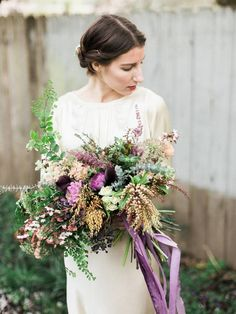 Beautiful floral design from a workshop with Ponderosa & Thyme, captured by Ivy & Gold