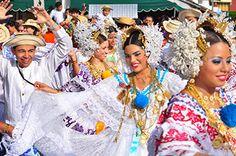 Panamanian Traditional Dancers (Bailarines folclóricos realizan el Tamborito, el baile nacional de Panamá).