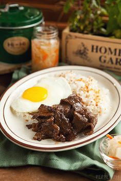Yakiniku Beef Tapa: Add A Touch of The Rising Sun to Your Morning Plate Breakfast And Brunch, Breakfast Recipes, Morning Breakfast, Breakfast Ideas, Tapas, Filipino Breakfast, Filipino Recipes, Filipino Food, Beef Tapa Recipe Filipino