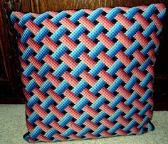 bargello needlepoint - Google Search Broderie Bargello, Bargello Needlepoint, Needlepoint Pillows, Needlepoint Designs, Bargello Patterns, Weaving Patterns, Stitch Patterns, Pillow Embroidery, Embroidery Patterns