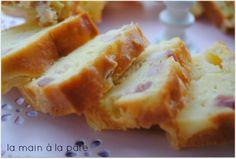 Cake à la raclette et aux petits lardons