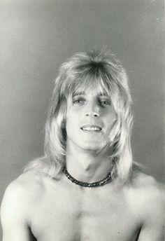 Photo Gallery: Ian Hunter, Mick Ronson and Related (Page 47 of Ian Hunter, Mott The Hoople, Mick Ronson, Best Guitarist, Lucky Luke, Rock Artists, Ziggy Stardust, Glam Rock, Kinds Of Music