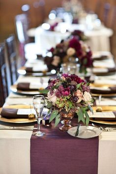 Best Wedding Table Runners #weddinginspiration #purplewedding #2017weddingtrends