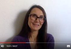 Karin Bender erzählt mit viel Herz ihre Geschichte zu sich selbst. Der Weg führte über 4 Geburten von ihren Mädchen und zum Schluss zur Geburt von ihr Selbst. Wundere Dich nicht, wenn Du von Tränen berührt bist.  Das Video hiflt Dir nicht nur dabei deine Geburtstraumata zu verarbeiten, es kann Dir auch als junge Frau ermutigen Deinen eigenen Weg zu finden. http://femispirit.com/selbstbestimmte-geb…/folge-dir-selbst/