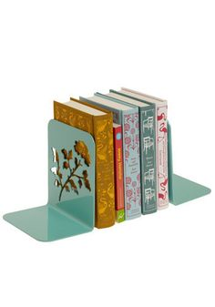 I love books and these book ends are adorable!