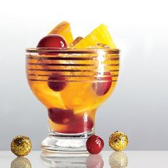 Holiday Cocktail Recipes: Retro Rum Punch