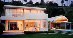 Richard Neutra-1938 - The Albert Lewin House, 512-514 Palisades Beach Road, on the ocean at Santa Monica CA.  Designed witih Peter Pfisterer. It is 5400 sq. ft.