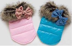 Купить товар2014 новый комбинезон Pet чихуахуа зимних собак одежда искусственного меха воротник зимнее пальто с бабочка узел для маленьких собак бесплатная доставка зимняя одежда для собак в категории Пальто и курткина AliExpress.                          размер          длина          обхват          шеи                    xs          16см